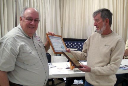 HCFC President Rich LaBelle (L) honors past Activities Director Jim Kockelman